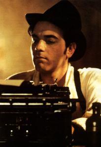1b-ewan-moulin-rouge-w-typewriter