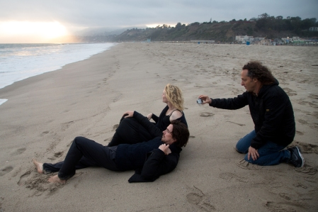 KoC-03820_R_CROP (l to r) Christian Bale and Cate Blanchett filming on the beach with Cinematographer Emmanuel 'Chivo' Lubezki for Terrence Malick's drama KNIGHT OF CUPS, a Broad Green Pictures release. Credit: Melinda Sue Gordon / Broad Green Pictures